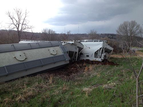 20140408-TrainWreck-02-b